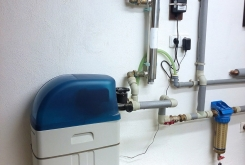 AquaSoftener water softener for family house + coarse dirt filter and UV lamp for bacteria removal