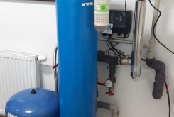 UV lamp for water disinfection